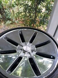 19 inch Giovanni rims with tires Hudson, 34667
