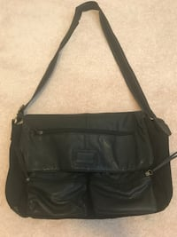 Black Laptop Over-The-Shoulder Bag Edmonton, T5T