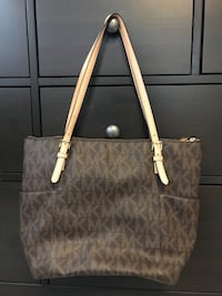 Michael Kors purse  Oakville, L6H