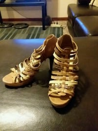 Womans size 8 1/2-9 Lincoln, 68528
