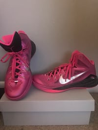 "Nike Hyperdunks ""Think Pink"", Size 12 Mens Shoes Reston"