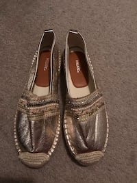 Brand new flats size 7 London, N5Y 4V4