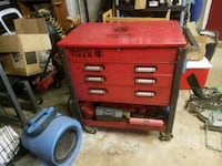 red and black tool chest Westminster, 21158