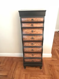 Black & brown wooden 8-drawer chest Arlington, 22209