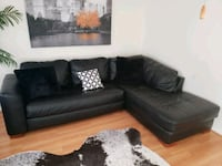 Leather couch  Hampton, 23664