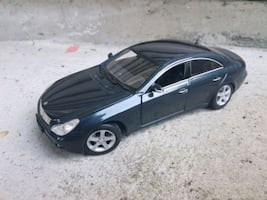 DIECAST MERCEDES CLS 1/18 SCALE