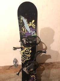 Black and red snowboard with bindings Calgary, T2Y 4E4