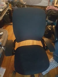 Steelcase leap v2 office chair Toronto, M1N 1R5