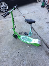 Razor electric scooter e200s with brand new batteries and charger Oyster Bay, 11735