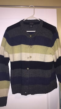 american eagle buttonup sweater Ghent, 44333