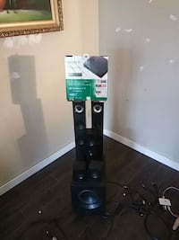 Lg speaker set two tower speakers two medium speak Langley, V3A 4T2