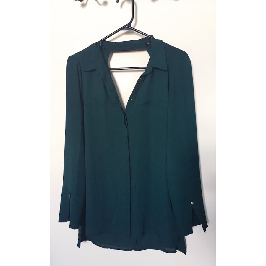 Green dynamite blouse with back cutout, size medium, worn once