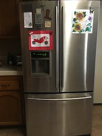 Free LG BROKEN Fridge Perris, 92570
