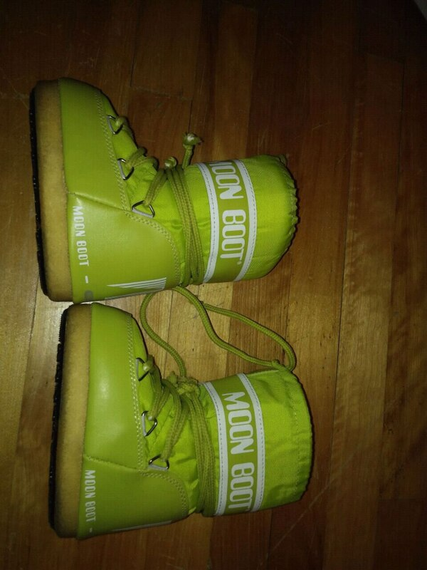 a067ed4d30ee Used Moonboots size 7-8 for babies 2-3 yrs winter boots for sale in Montréal  - letgo