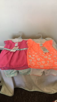 Baby girl outfits size 3/6m... $6 each or both for $10 Carpentersville, 60110