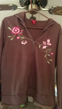 XL Jr's embroidered hoodie Muskego, 53150