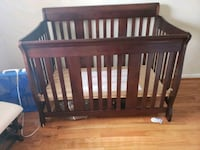 Storkcraft crib with Sealy mattress Centreville, 20120