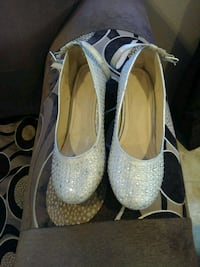 pair of women's studded white leather flats Watsonville, 95076