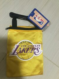 yellow Los Angeles Lakers pouch Bakersfield, 93311