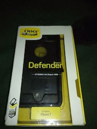 black OtterBox Defender series for iPhone 7 pack Fresno, 93706