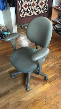 gray and black rolling armchair Taylorsville, 84129