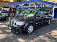 Chrysler - Town and Country - 2010 Arlington