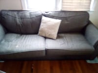 Free couch Bowling Green, 22427