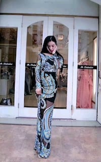 Outing lace dress