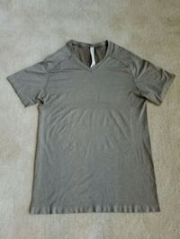 Lululemon t shirt men size XL  Northville, 48168