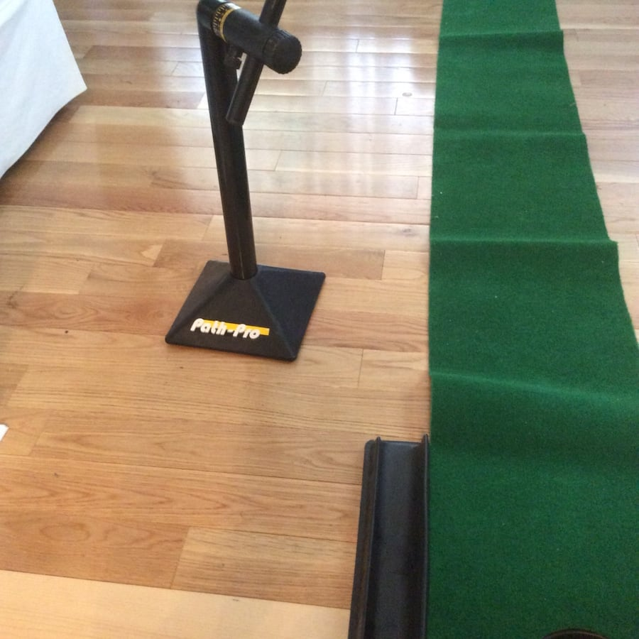 Golf putt putt practice anywhere! Great condition, used once, works great. Pickup in Falls Church . b59d23e1-f874-4b22-800f-1585d9501571