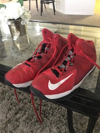 Red nike shoes Orlando, 32825