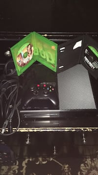 Xbox One with cables, power supply, GTA 5, Call Of Duty Black Ops 3, Controller, and Controller headphone/headset plug in,  +2 extra Full batteries. New York, 11375
