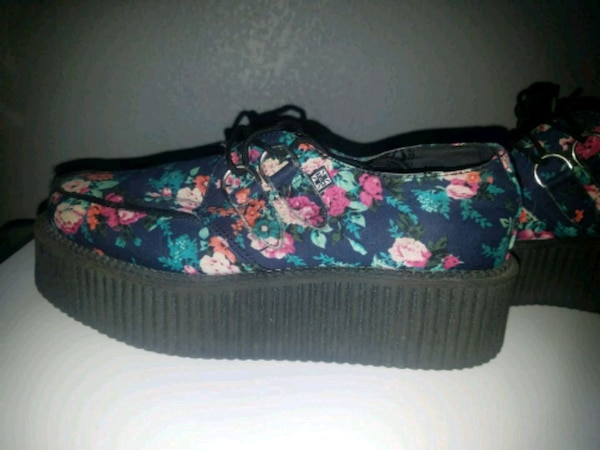 TUK Floral Creepers