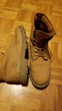 9.5 Timberland boots St. Catharines, L2M