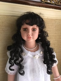 22 inch doll with stand Springfield, 22153