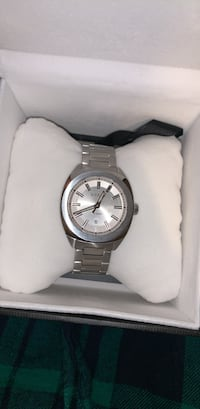 Gucci Watch - Silver 100% Authentic  New York, 11434