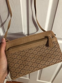 Women's brown small purse  Toronto, M3B 1X9