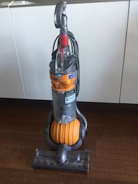Dyson ball upright vacuum cleaner Vancouver, V5R