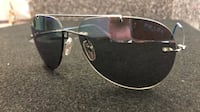 Silver-colored framed ray-ban aviator sunglasses Austin, 78753