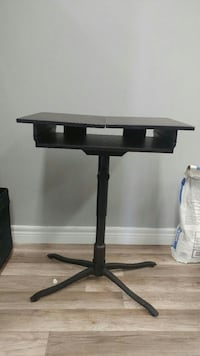 black wooden desk Baden, N3A 2T1