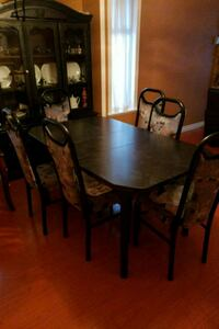 Dinning table and china cabinet Surrey, V4N 2X2