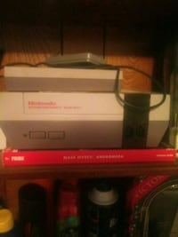 NES (Unsure if it works) No power cable