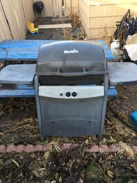 Black and gray gas grill and propane Yakima, 98902