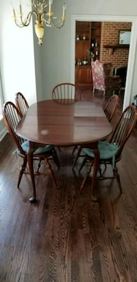 Cherry dining room table and chairs Fredericksburg, 22406