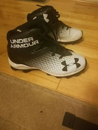 Under Armour youth football cleats White Marsh
