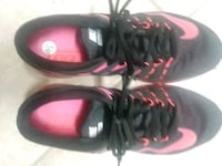 pair of black-and-pink Nike basketball shoes Venice, 34293