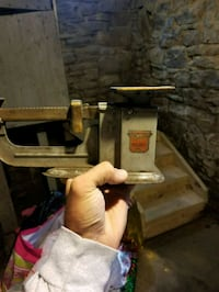 Old scale from postal service Pittsburgh, 15202