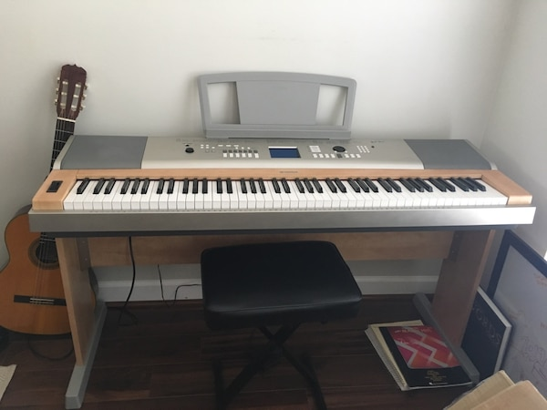 Full size electric keyboard with adjustable bench and pedal