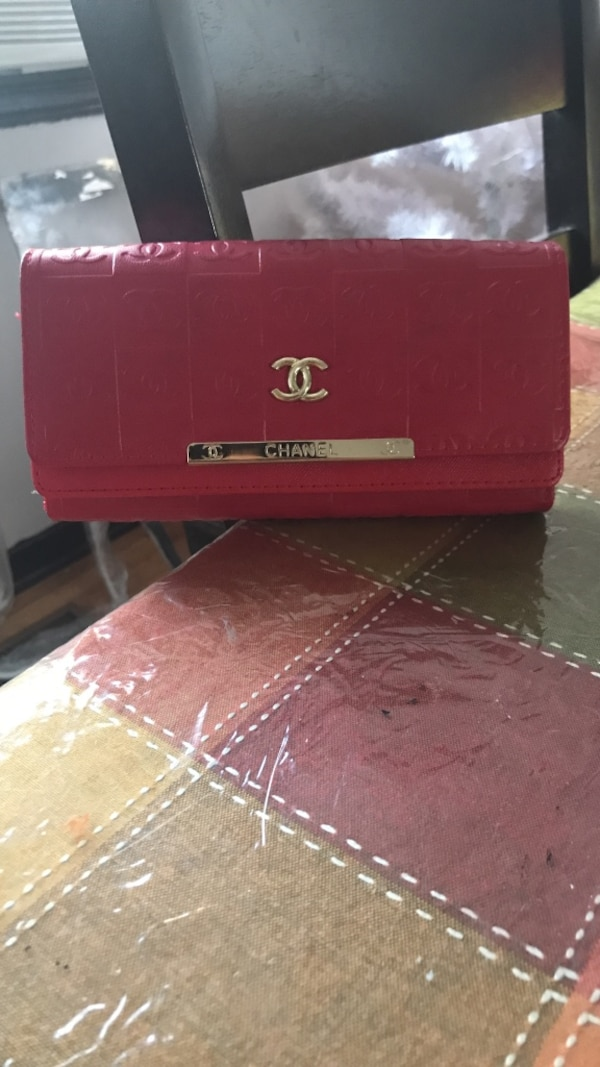 Red channel wallet