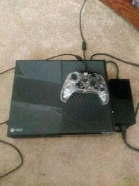 black Xbox One console with controller Newport News, 23605